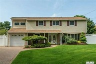 37 Grand Haven Dr Commack NY, 11725