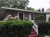 82 N Howells Point Rd Bellport NY, 11713