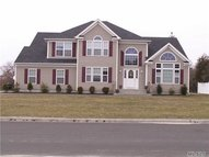 35 N Durkee Ln East Patchogue NY, 11772