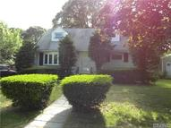 52 Ackerly Ln Lake Ronkonkoma NY, 11779