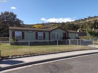1054 Home St The Dalles OR, 97058