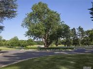 5 Stable Ln Old Westbury NY, 11568