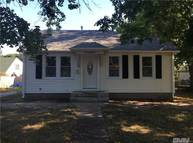 70 Log Rd Patchogue NY, 11772