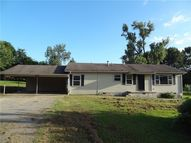 203 Sw 2nd  St Mulberry AR, 72947