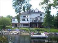 3558 Lakeshore Drive Waterford MI, 48329