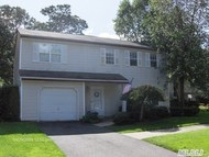 6 Turnberry Ct Middle Island NY, 11953
