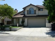 1932 Paradise Valley Court Tracy CA, 95376