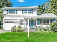 44 Clifford Pl East Norwich NY, 11732