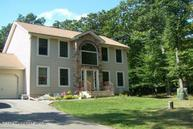 555 Whipporwill Dr Bushkill PA, 18324