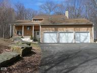 7 Fawn Crest Drive New Fairfield CT, 06812