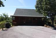 1937 Cougar Crossing Way Bearverly Hills Sevierville TN, 37876