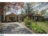 2732 Hillview Rd Broomall PA, 19008