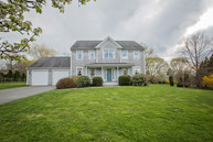 176 Island Dr Middletown RI, 02842