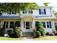 51 Bishop Av Rumford RI, 02916