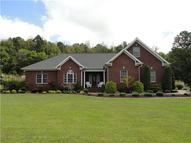 324 Carrington Pl Parsons TN, 38363