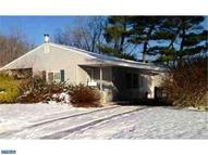 331 Lakeside Dr Levittown PA, 19054