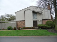 210 W Coventry Pl Mount Prospect IL, 60056