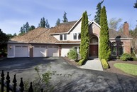 9619 215th Ave Ne Redmond WA, 98053