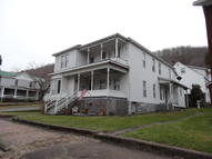 522 Temple St Hinton WV, 25951