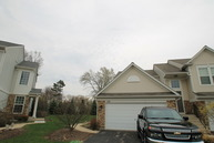 772 Pointe Dr Crystal Lake IL, 60014