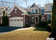 23 Kensington Cir Manhasset NY, 11030