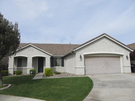 715 Woodcreeper Ct Patterson CA, 95363