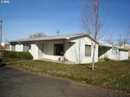 325 Currant St Athena OR, 97813