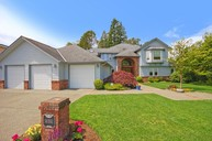 16551 45th Ave Ne Lake Forest Park WA, 98155