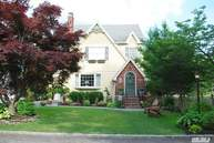 53 Lake Dr West Islip NY, 11795