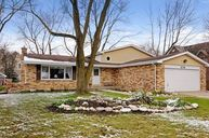 676 Alice Drive Northbrook IL, 60062