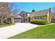 2423 Happy Hollow Road Glenview IL, 60026