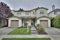132 Bouquet Cir Windsor CA, 95492