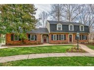 8964 Burntoak Drive Saint Louis MO, 63123