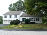 20 Washburn Rd New London CT, 06320