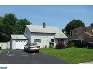 211 North Park Dr Levittown PA, 19054