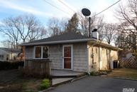 225 W End Ave Shirley NY, 11967