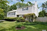 28 Red Spring Ln Glen Cove NY, 11542