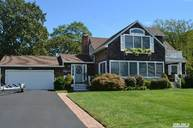 68 Town Beach Rd Jamesport NY, 11947