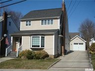 46-27 Belmont Rd Great Neck NY, 11020