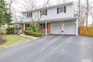 311 8th St East Northport NY, 11731