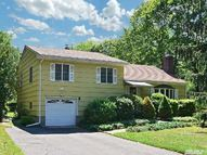 1 Normandy Dr Northport NY, 11768