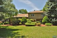 23 Fairview Ave Woodcliff Lake NJ, 07677
