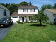 3 Raccoon Path Coram NY, 11727