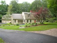 3 Old Cambridge Ct Clinton CT, 06413