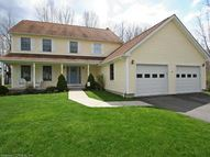 31 Fawn Meadow Dr Naugatuck CT, 06770