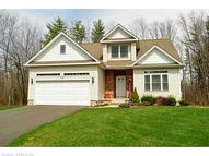 112 Brook Ln Windsor CT, 06095