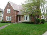 998 South Wildwood Avenue Kankakee IL, 60901