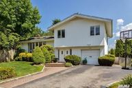 111 Forest Dr Jericho NY, 11753