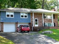 120 Hillside Dr Bloomingdale NJ, 07403