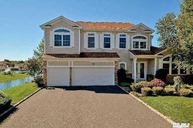14 Pondview Dr Saint James NY, 11780